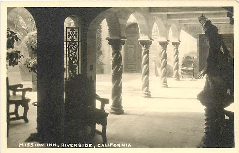 Photo ancienne du Mission Inn à Riverside